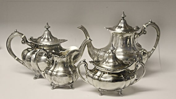 Reed /& Barton Hampton Court Sterling Silver 4 Piece Place Setting