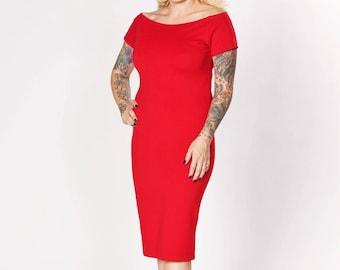 Gizzelle Wiggle Dress - Lipstick