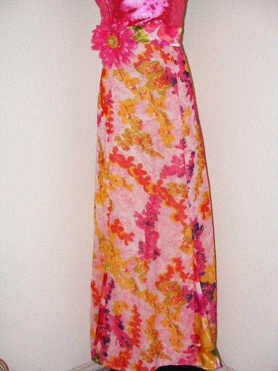 Vintage 1970s Hot Pink Halter top Floral dress...… - image 4