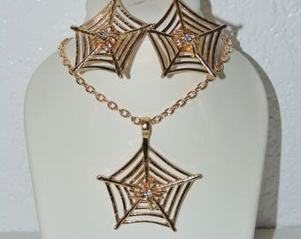 Gold Tone Spider Web necklace & Matching Earrings