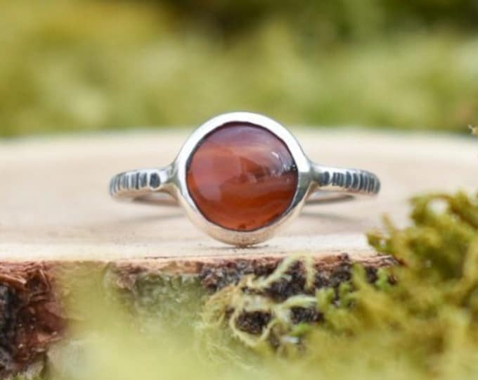 Simple Bark Band Ring   Banded Agate and Sterling Silver   Size 7.5