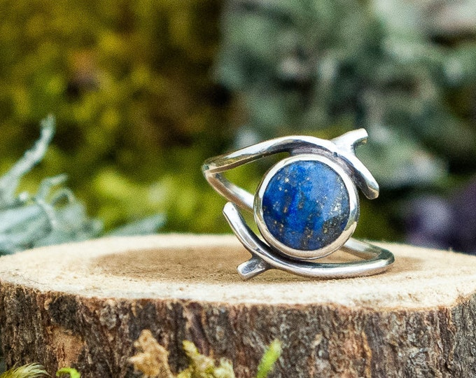 Encircled Branch Ring | Lapis Lazuli and Sterling Silver | Size 7.5