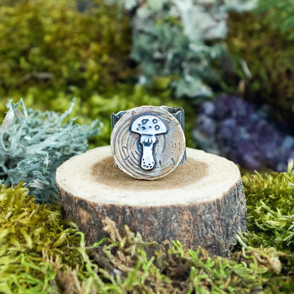 Amanita Mushroom Wide Band Bark Ring