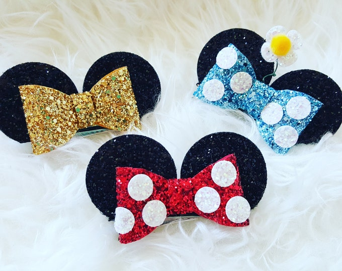 Glittery Minnie Mouse Ears Clip | Minnie Mouse Birthday | Minnie Ears | Mouse ears, Minnie Mouse | Minnie | Ears | Disney Bound