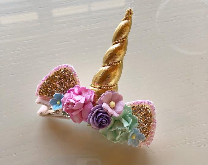 Glittery Unicorn Gold clip    Gold bow    Glitter Bow    Baby Bow    unicorn Theme    Hair Clip    Bow
