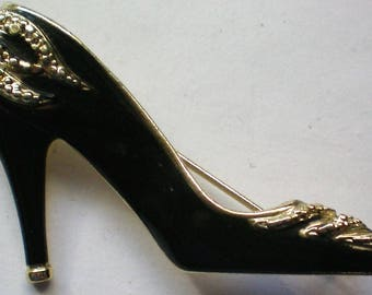 I Love Shoes Pin by AJC - 5840