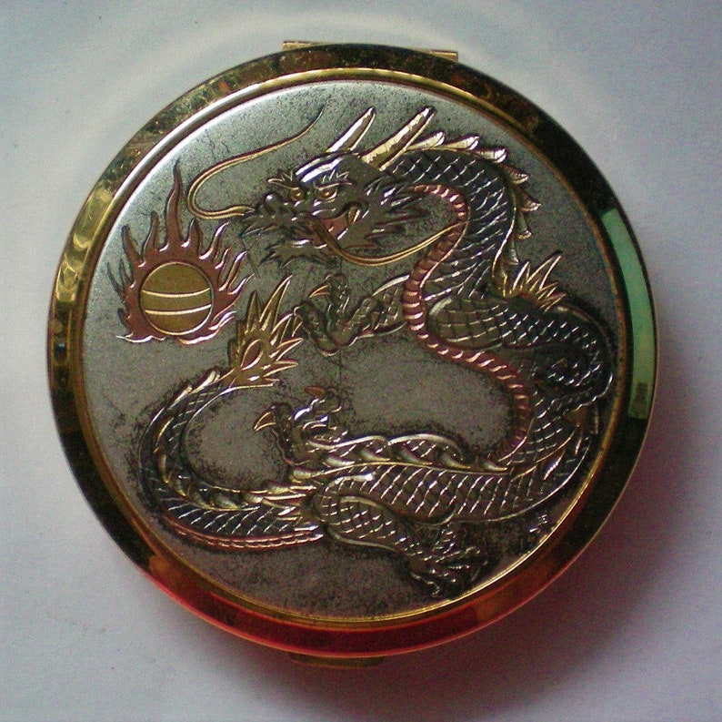 Chokin Art Dragon Facial Powder Compact 6121