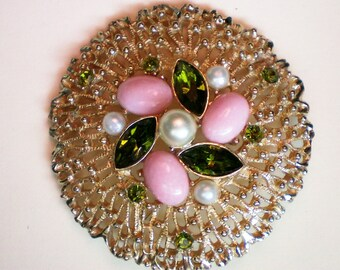 Gold Plated Book Piece - Sarah Coventry Brooch - 2669