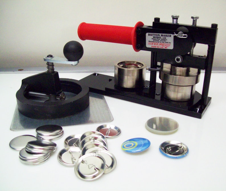 How to use a 1 inch button maker