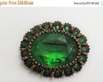 ON SALE Antique Czech Green Glass Stone Oval Brooch Pin