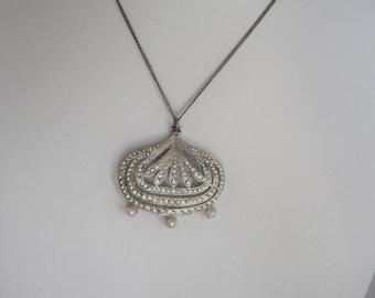 ON SALE Art Deco Pendant Necklace, Czech Vintage Rhinestone Pearl Necklace, Silver Plated Pendant
