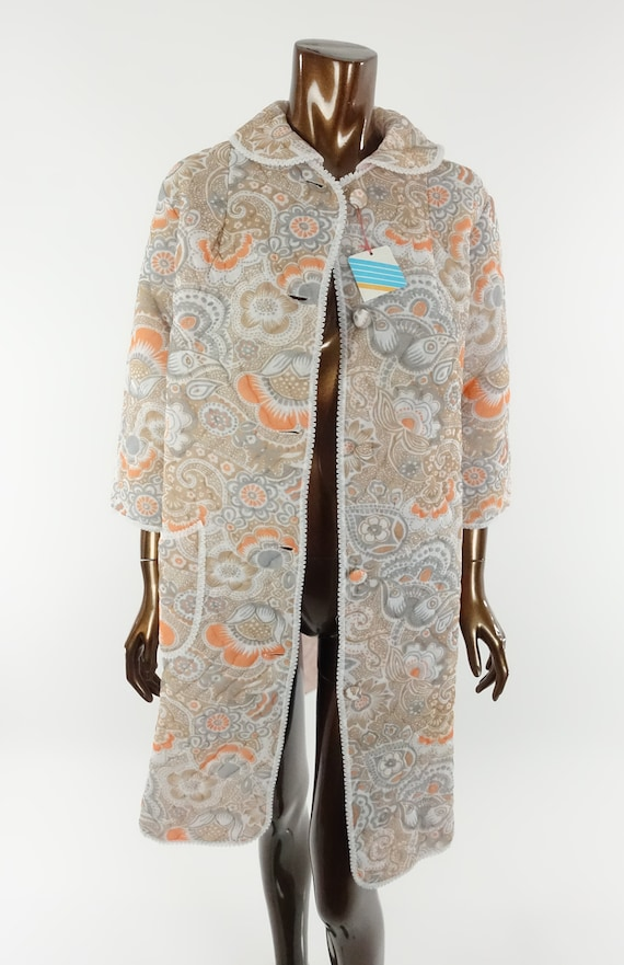 Vintage 70s Quilted Robe Floral Print Housecoat B… - image 9