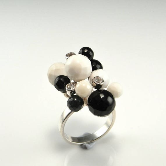 Flower ring in 925silver with rock crystal ball