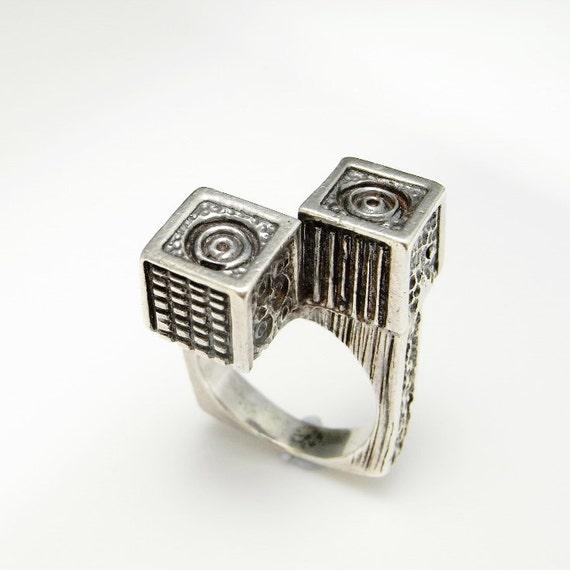 66507a3251373a Bague moderniste mi siècle bague Cube Bague anneau minimaliste   Etsy