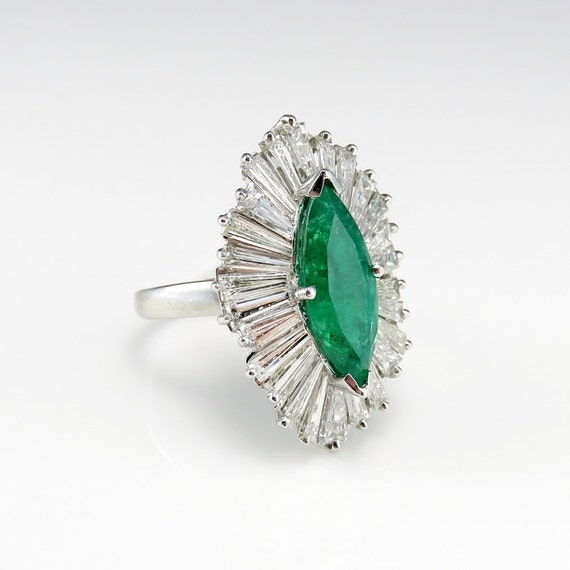 Engagement Rings Netherlands: Emerald Engagement Ring Marquise Verlovingsring Navette