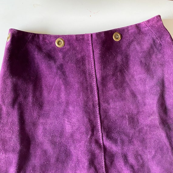 1960s Purple Suede Mini Skirt - image 3