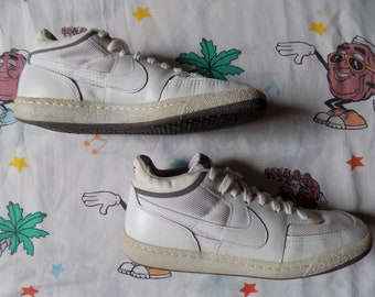 superior quality 49300 40e69 Vintage 80s Nike Challenge Court Mid Sneakers, size 10.5M12.5W 1984 Made  in Korea
