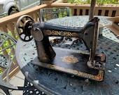 Singer Redeye Sewing Machine, very solid, Great old time look, Just like grandma used