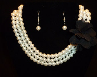 Pearl and Flower Choker Necklace