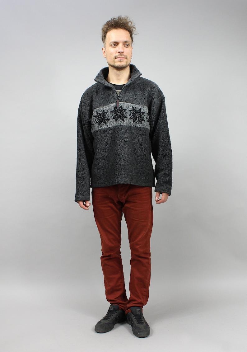 M Medium Fleece Winter Athleisure Sweatshirt 90s Snowflake Print Fluffy Warm Sweater