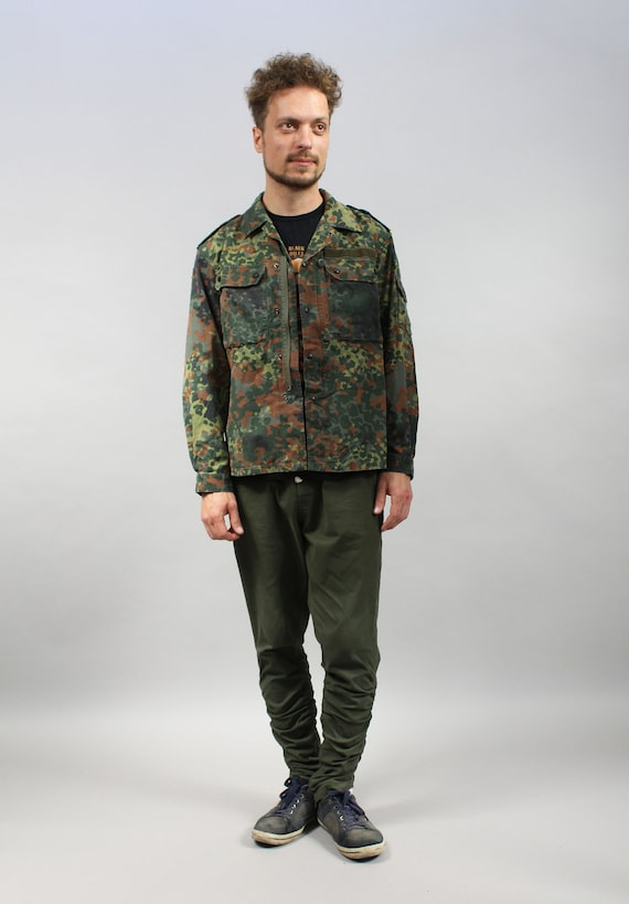 Camo Vintage Mens Military German Army Jacket. 90s