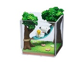 Peanuts Snoopy Terrarium On Vacation 4-Inch Rement Mini-Figure - 2