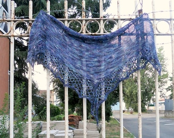 f04fd9088ae7 Triangular lace shawl