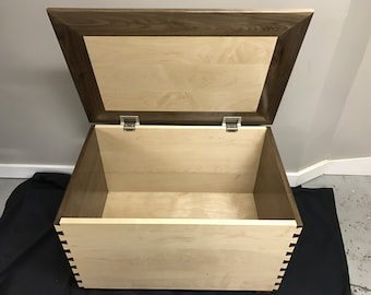 Beautiful dovetail box