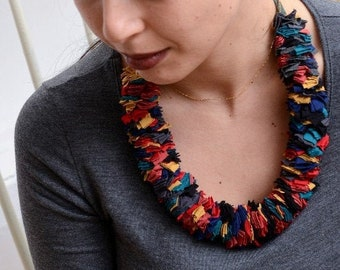 Multicoloured fabric strips necklace