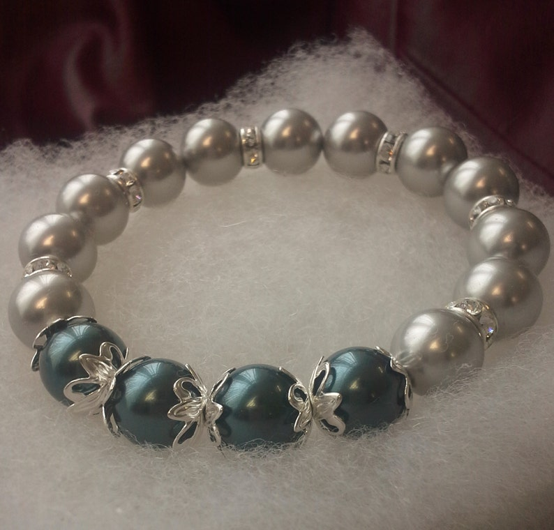 Gray and Tahitian Pearl Stretch Bracelet embellished with image 0