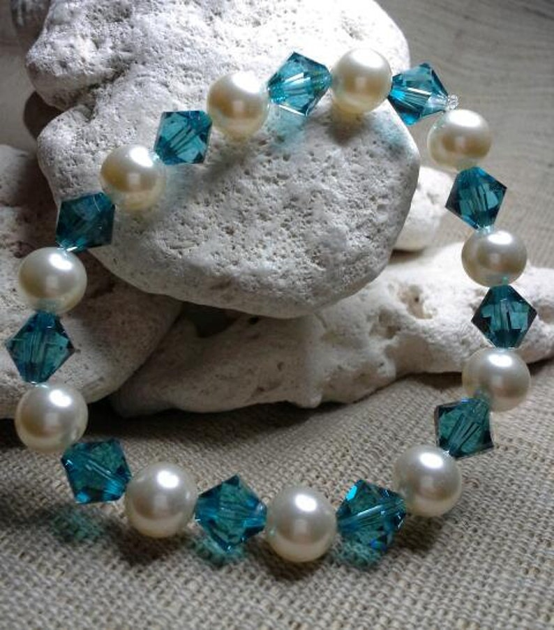 Create Your Crystal and Pearl Stretch Bracelet embellished image 0