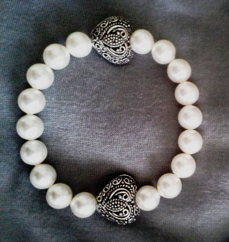White Pearls with Antique Silver Filigree Heart Beads Stretch image 0
