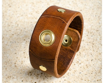 """Brown and brass leather cuff - 7"""" wearable size"""