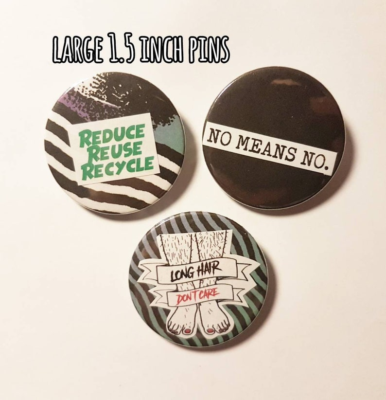 Various Pack Sizes Badge I Love P.E 25mm Pin Badge