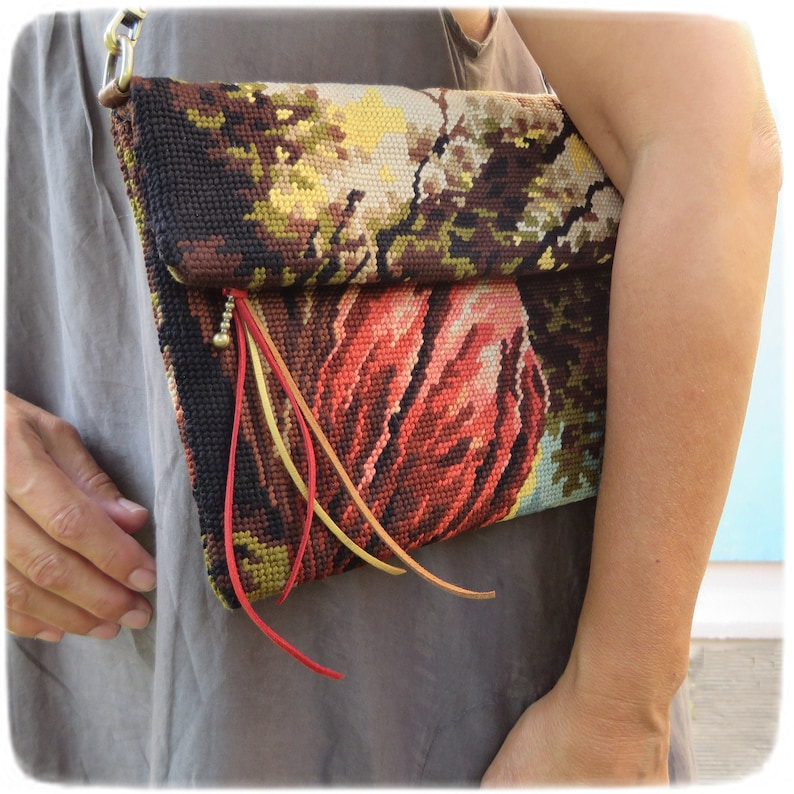 Canvas Fold over Crossbody Pouch Tapestry Romantic image 0