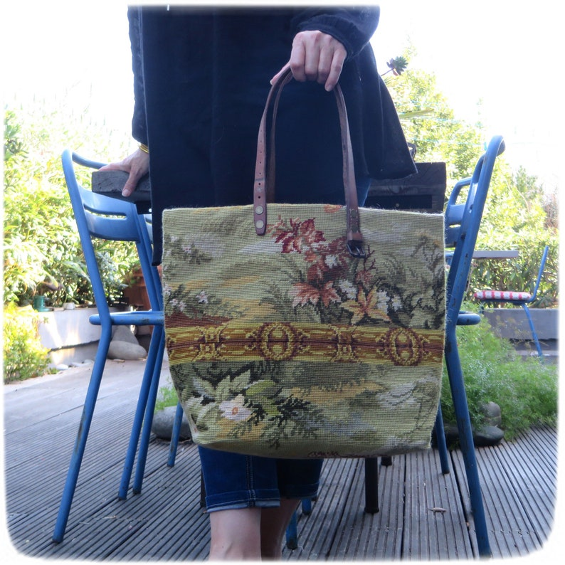 French Tapestry Purse Canvas Handbag Floral pattern image 0