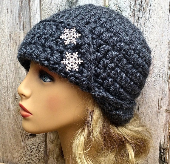 16 Colors Cloche with Snowflake Buttons Womens Winter Hat  acec10b77c9