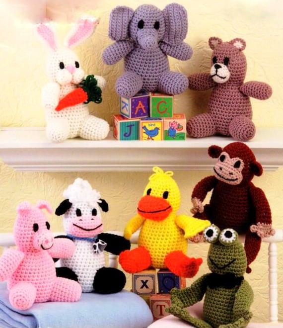 Amigurumi Bunny Family - Free Crochet Written Patterns | 660x570