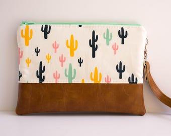 Cactus Zipper Pouch, iPhone 5s Wallet, Small Purse, Festival Bag, Sling Bag, Southwest Style