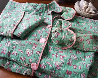 3a7ba6de76 1950 s Quilted Bathrobe Green   Pink with Pockets and Belt