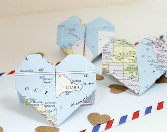 Wedding placeholders // Origami placeholder // Travel themed wedding // Wedding table decor // Hand-folded placeholder // Heart shaped
