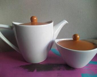 Vintage teapot en sugar bowl from Regina Gouda 1957