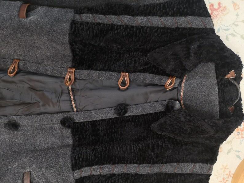 Vintage 90s wool coat gray tweed overcoat with black velvet collar long sleeve button up jacket coat ML