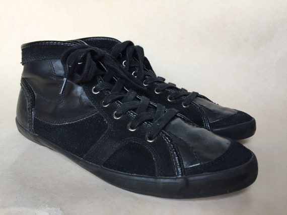 Trainers sport sneakers simple athletic