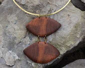 Wooden necklace, elegant wire choker, wood pendant necklace, contemporary necklace, wire collar, metal choker, brass necklace, wooden choker