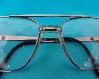 5e1cc3ccada7 Vintage 70 s Oversize Frames