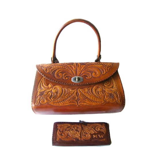 210b6b0661c3 Hand Tooled Leather Purse and Wallet Signed by Artist Les