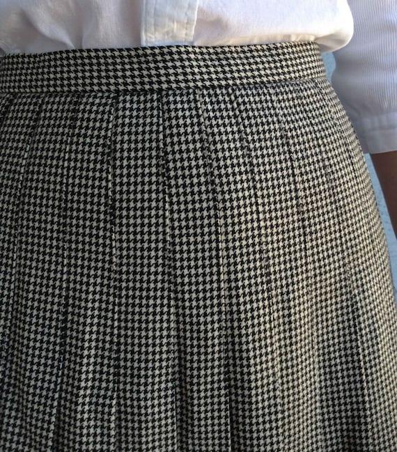 Vintage 50s Wool Black and White Plaid Pattern Sk… - image 5