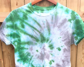 Unisex Tie Dye T-shirt Shirt Shibori  Men Woman Kelly Green Gray Grey Boho Hippie Chic by The Wild Willows