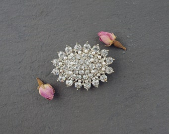 Oval Crystal Pearl Wedding Hair Clip for a bride. Wedding Hair Accessories for a Bridesmaid. Vintage Style Sparkly Bridal Hair Piece